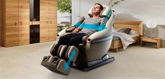 Кресло адаптируется под размер человека - Чёрное массажное кресло Inada Dreamwave