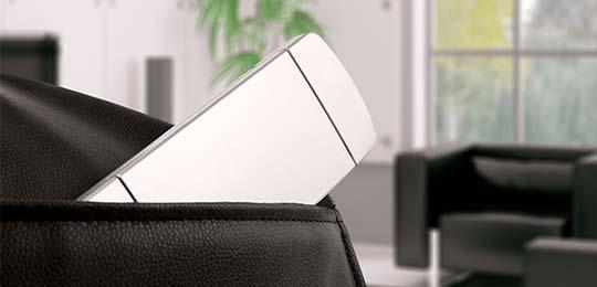 Карман для смартфона/пульта от телевизора - Чёрное массажное кресло Inada Dreamwave